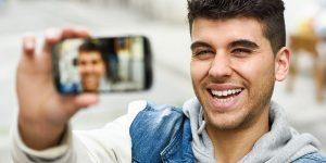 Selfie: a inimiga da imagem profissional?